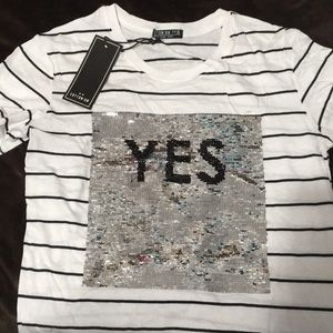 Sequins yes/no cotton T-shirt